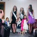 Défilé des Miss, avec les trois petites filles de Bernard et Anne-Marie (Emma, Lila et Lylan)